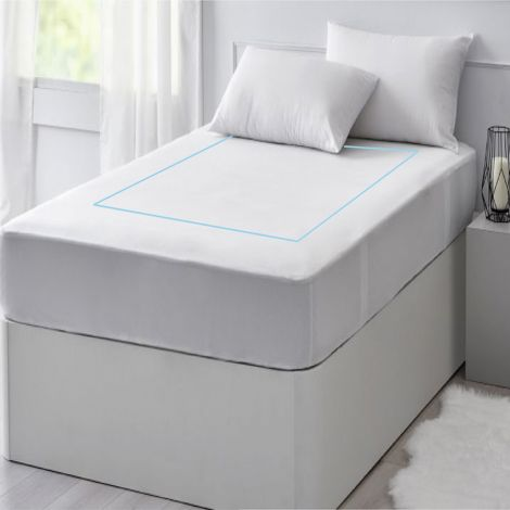 single-embroidery-border-sateen-solid-fitted-sheet-light-blue-border-1