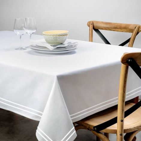 white-border-white-tablecloth