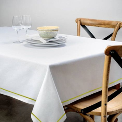 single-embroidery-border-sateen-cotton-solid-table-cloth-yellow-border